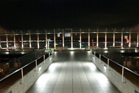 narita_airport2_deck.jpg