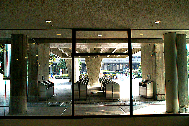 nmwa_lobby1.jpg