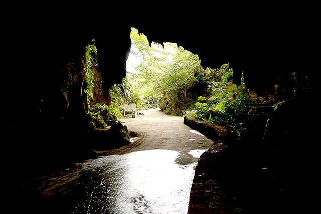 okinawa_cave.jpg