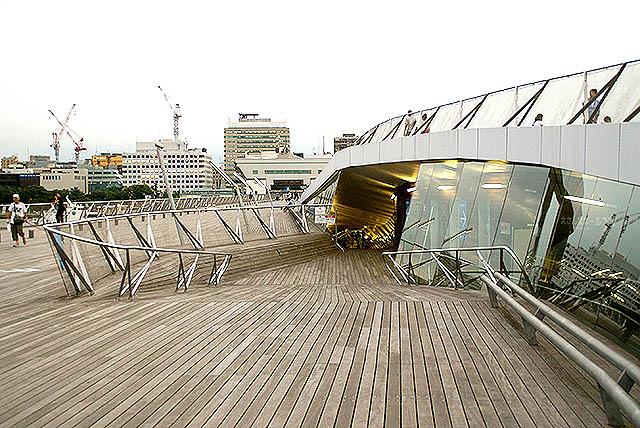 oosanbashi_slope2.jpg