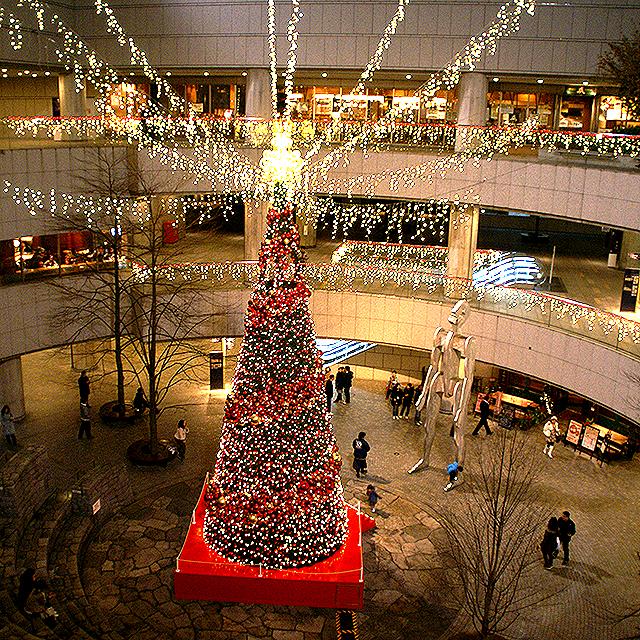 operacity_christmastree3.jpg