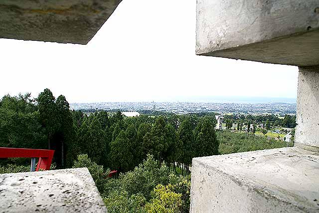 outsideline_tower_wall2.jpg