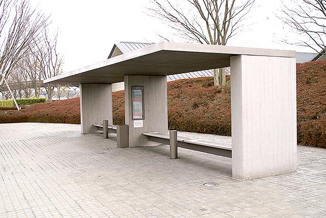 sagawamuseum_busstop.jpg