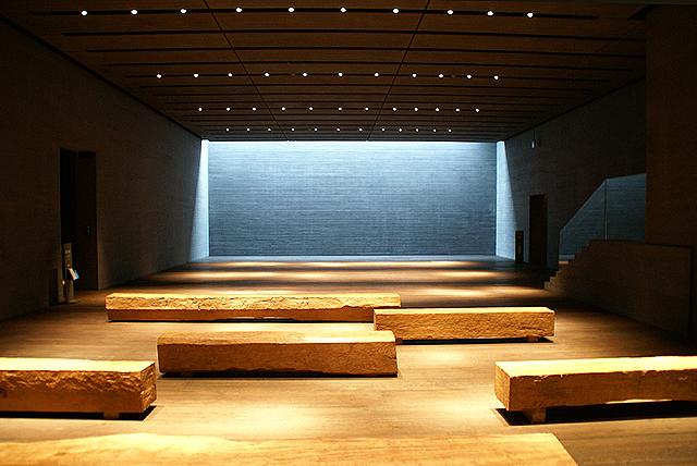 sagawamuseum_lobby.jpg
