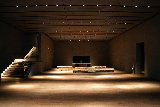 sagawamuseum_lobby2.jpg