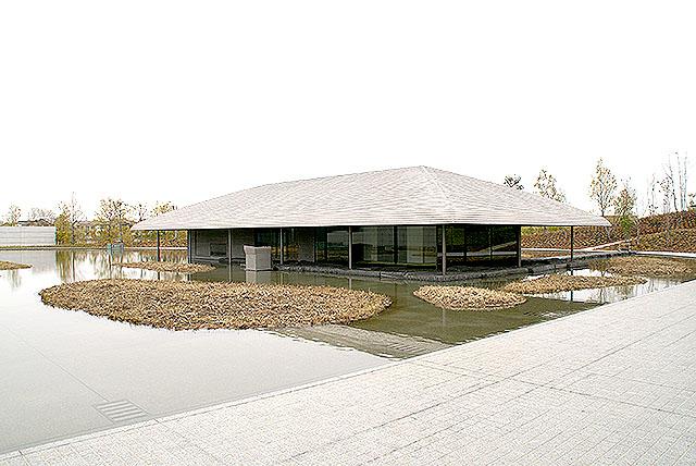 sagawamuseum_raku_outline.jpg