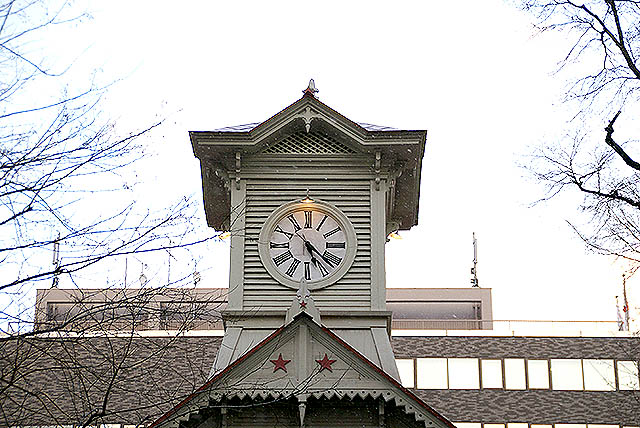 sapporo_clocktower_up2.jpg