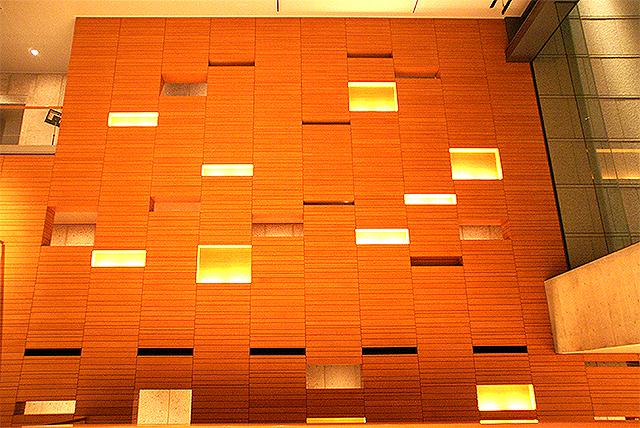 shinkokuritsugekijo_wall.jpg