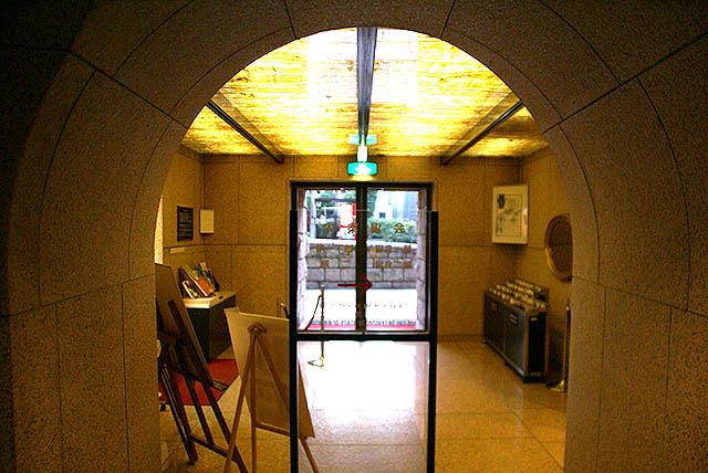 shotomuseum_lobby.jpg