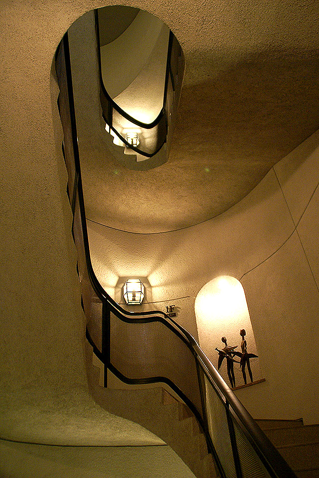 shotomuseum_stair1.jpg