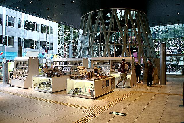 smt_1f_bookstore.jpg
