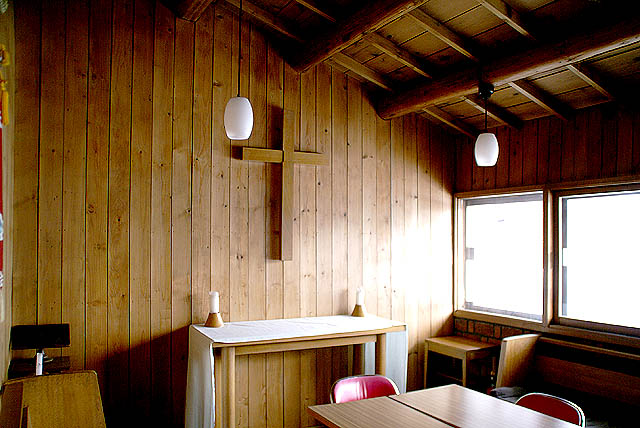 stmichaelchurch_smallroom.jpg
