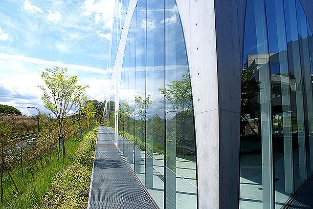 tamabi_library_outside.jpg