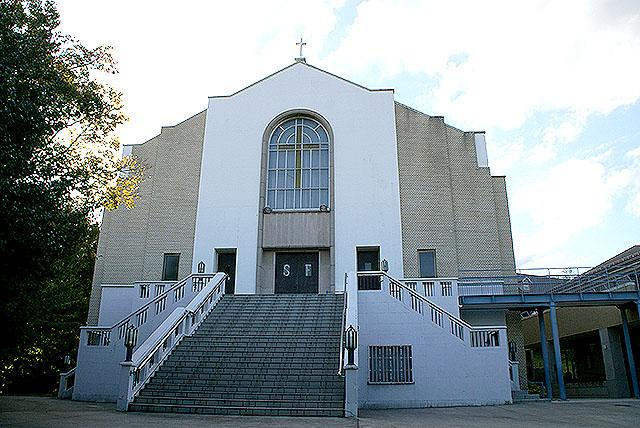 tamagawast_denenchohuchurch_cathedral.jpg