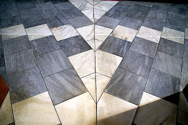 tokyocathedral_floor.jpg