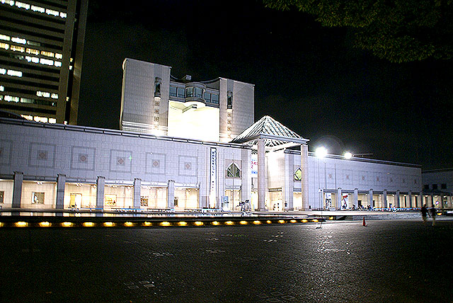 yokohama_museum_night.jpg