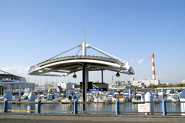 yumenoshima_marina_gasstaion.jpg