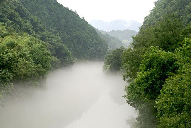 foggy_kuroseriver2_s.jpg