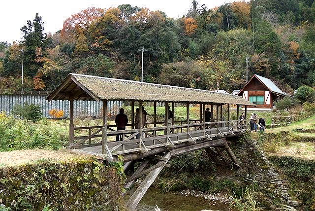 ishidatami_tamarubashi_bridge.jpg