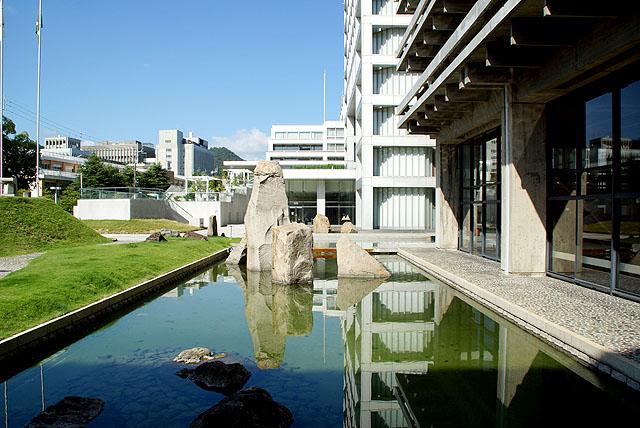kagawapo_coat_pond.jpg