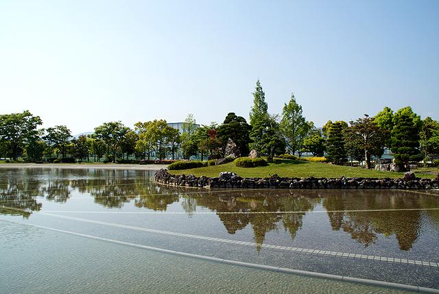 kochikenbi_pond.jpg