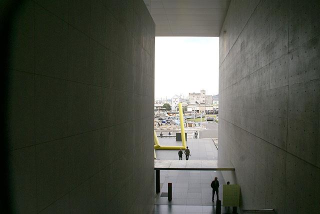 mimoca_sidespace.jpg
