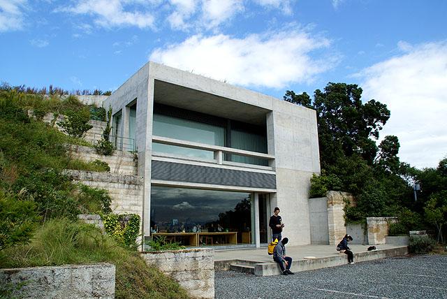 naoshima_chichumuseum_cafe.jpg