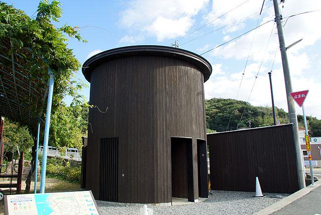 naoshima_ieproject006_toilet.jpg