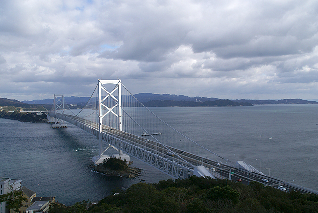 narutosea_bridge_escahill.jpg