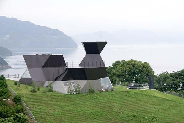 omishima_itomuseum_backside.jpg