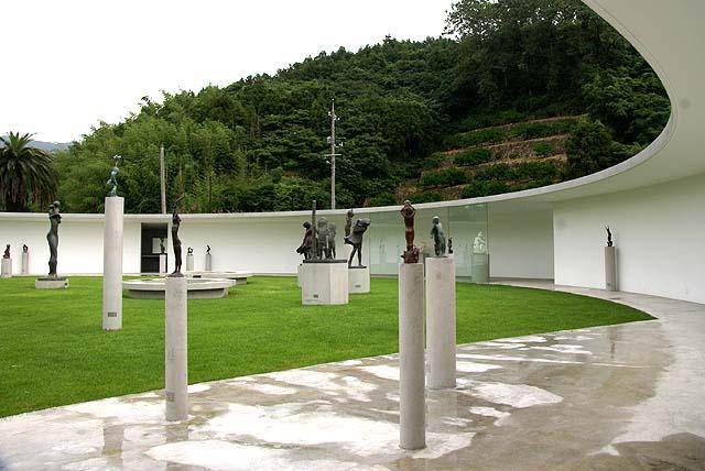 omishima_iwamuseum_round2.jpg