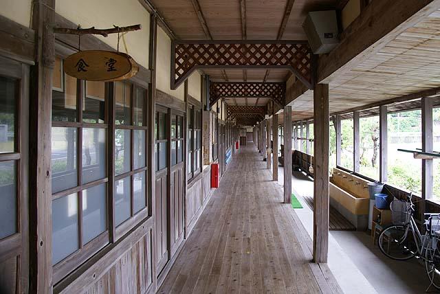 omishima_iwamuseum_schoolpath.jpg