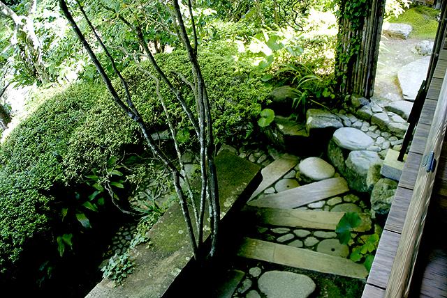 ozu_garyusanso_stair.jpg