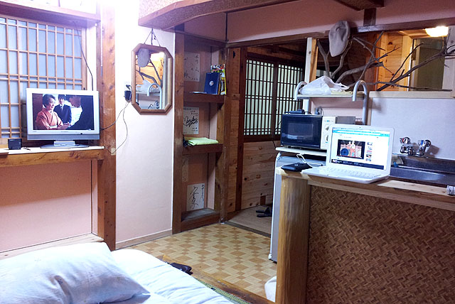 sawaman_room2.jpg