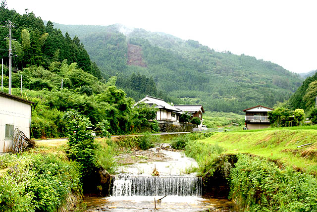 tanisuji_river.jpg