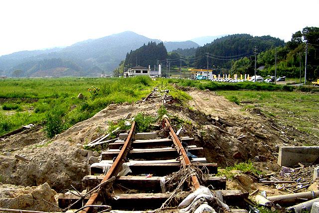 tohokushinsai_rail.jpg