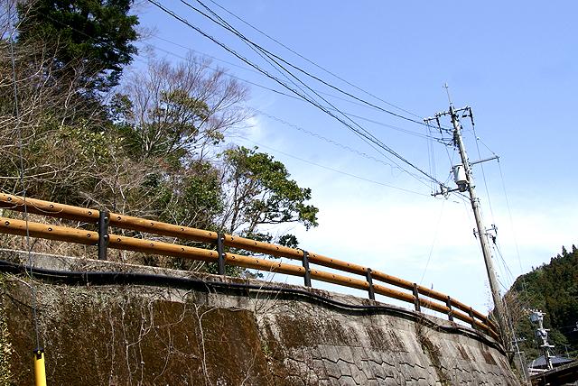 umajionsen_woodguardrail.jpg