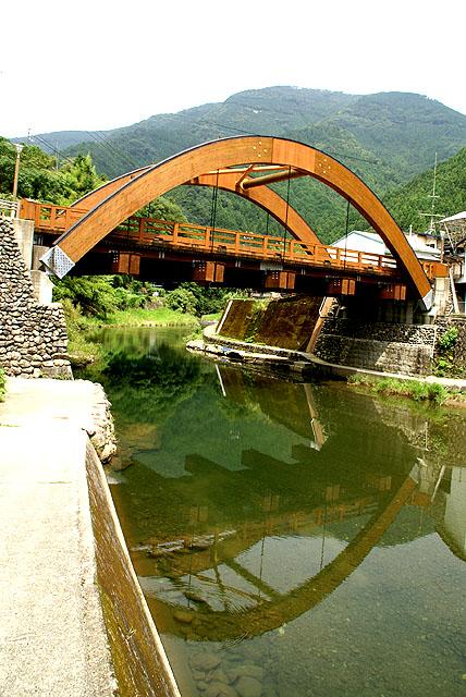 yusuhara_bridge3.jpg