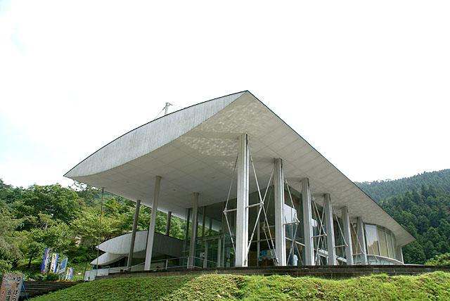yusuharakuma_cloudhotel_facade2.jpg
