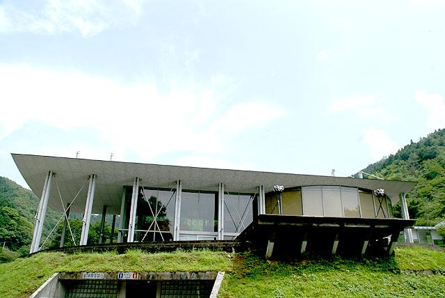 yusuharakuma_cloudhotel_sideview.jpg
