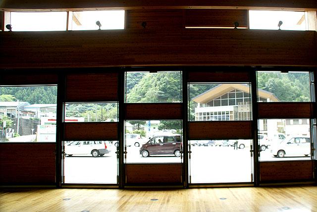yusuharakuma_townoffice_window.jpg