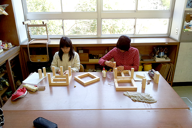 yusumoku_school2_working2.jpg